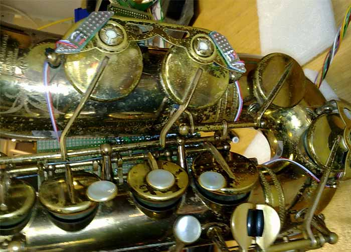 Sensors on a sax / Peter van Bergen